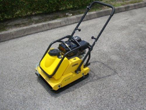 PLATE COMPACTOR 6.5HP GASOLINE WITH WATER TANK